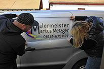 Beispiel einer Logobeschriftung am Auto im Digitaldruckverfahren